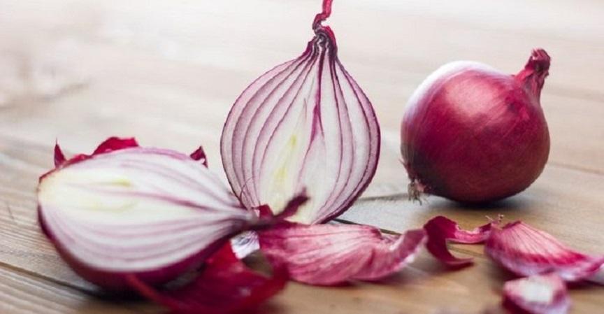 farmaci anti-covid: cipolle rosse e quercetina